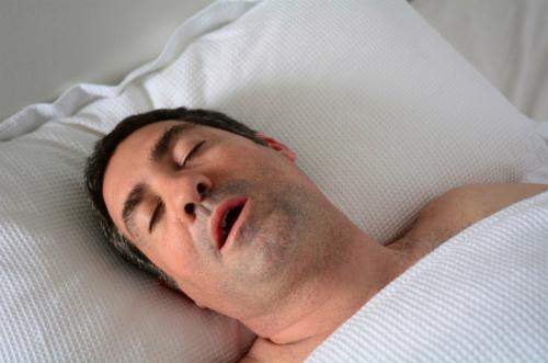 Ngưng thở khi ngủ có sao không? Điều gì xảy ra? Có chết không?