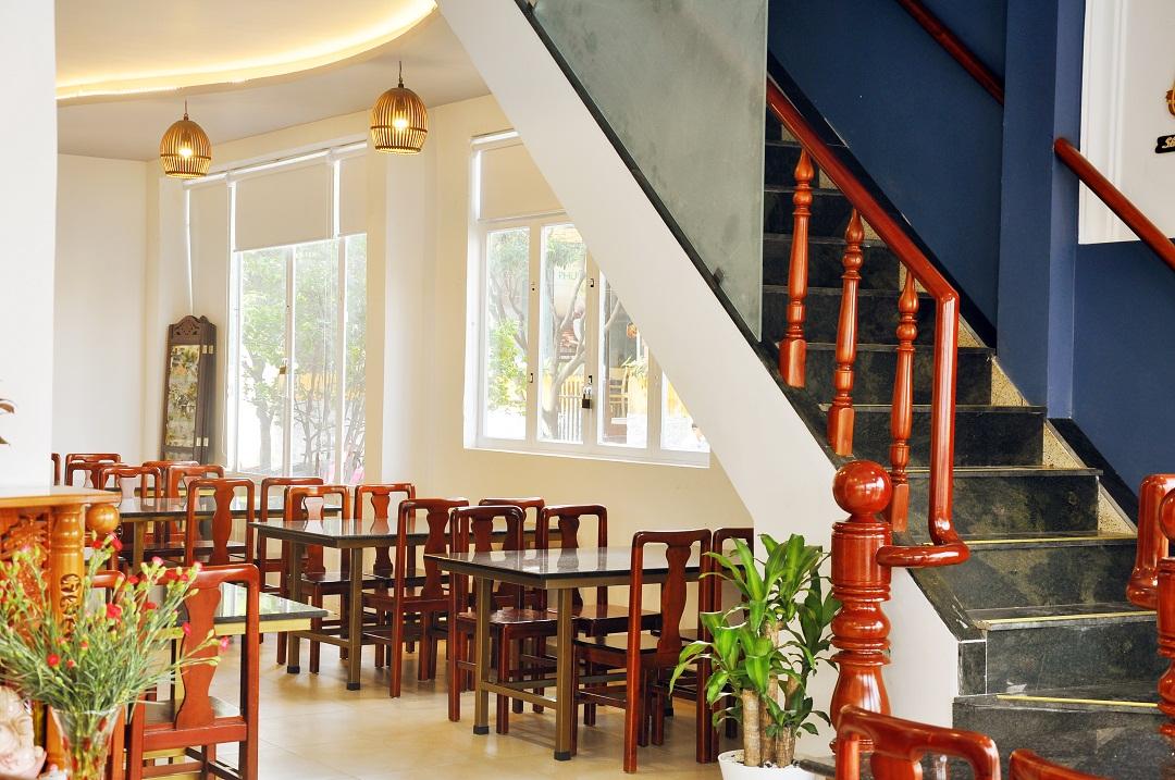 Nhà hàng Vuông Tròn